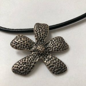 Silpada .925  hammered floral pendant